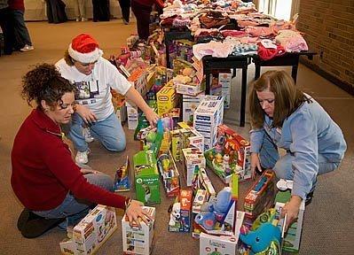 Main - Volunteers Prepare Christmas Gifts for Poor Children - Jim ...